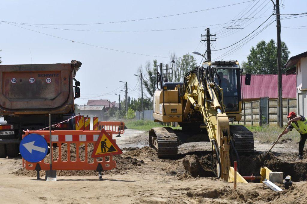 Se lucrează la introducerea sistemului de canalizare în cartierele mărginaşe ale Craiovei