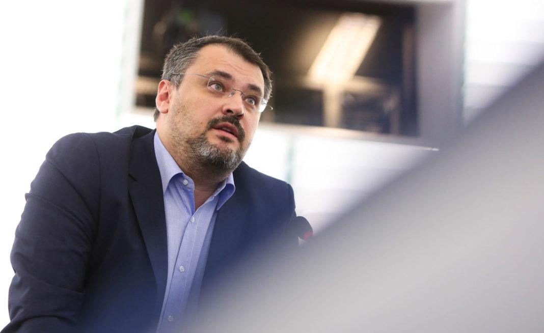 Moţiunea simplă iniţiată de PSD împotriva ministrului Investiţiilor şi Proiectelor Europene, Cristian Ghinea, a fost respinsă