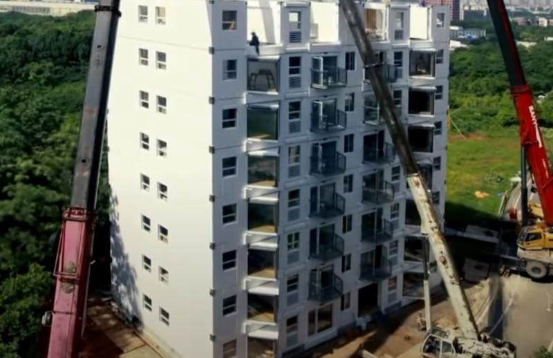 Constructie pe repede inainte in China Foto: Captura YouTube