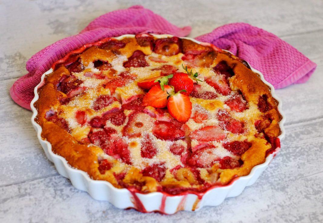 Clafoutis cu căpșune