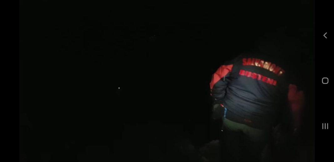 Operațiune de salvare de 6 ore pentru doi tineri alpiniști, blocați în Bucegi
