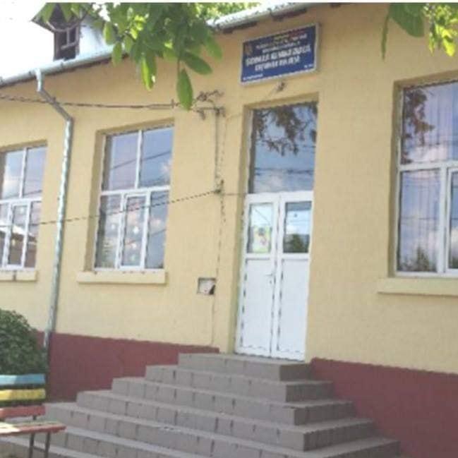 Copiii de la lŞcoala Coţofenii din Faţă au rămas fără transport şcolar
