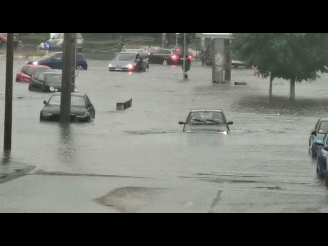 Inundaţiile produse în Craiova după ploaia torenţială de marţi după-amiază au arătat care sunt limitele canalizării pluviale din municipiu