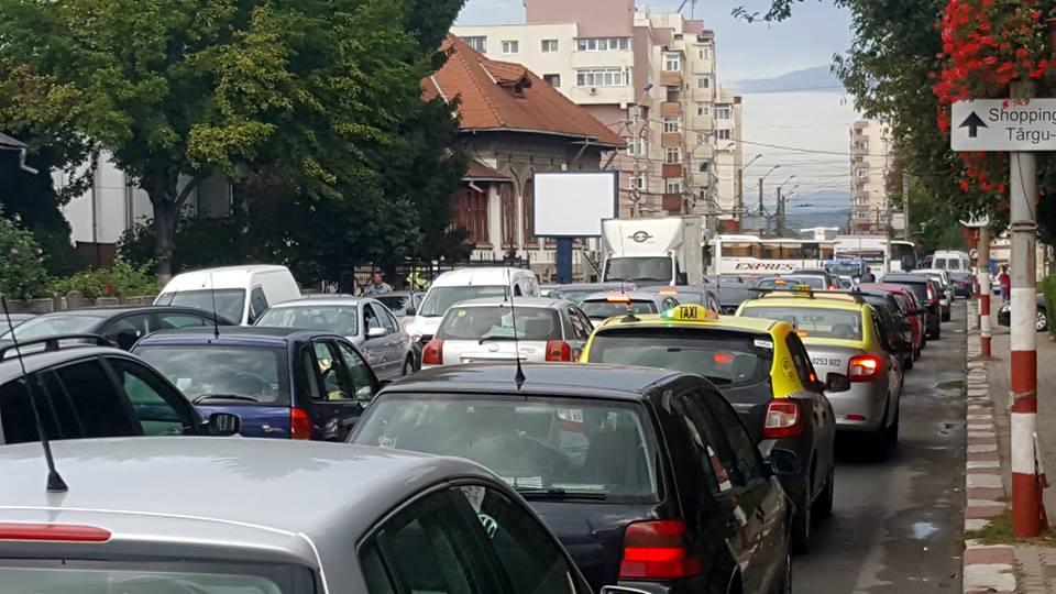 Prefectul cere dispozitive pentru monitorizarea calității aerului pe străzile din Târgu Jiu
