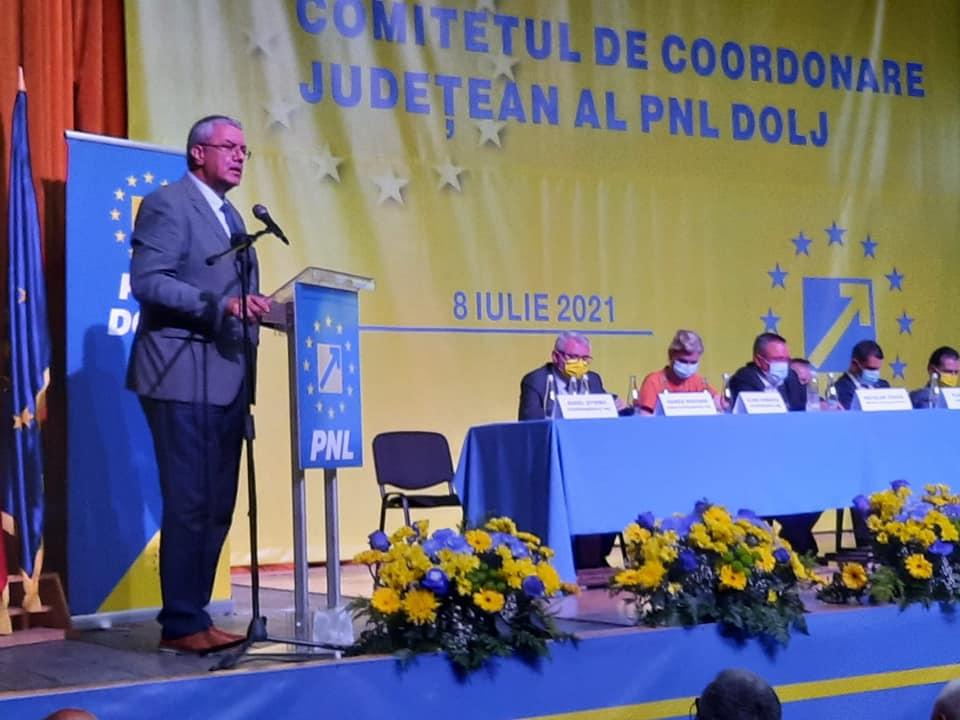 Deputatul PNL Nicolae Giugea a lansat un atac la adresa Olguţei Vasilescu, la şedinţa Comitetului de Coordonare Judeţean al PNL Dolj