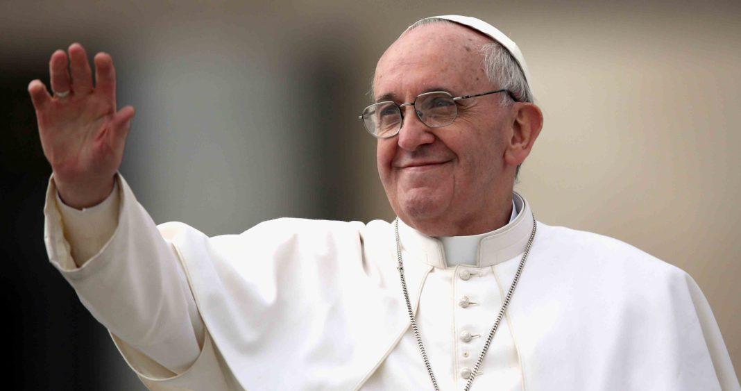 Papa Francisc, externat după 11 zile petrecute în spital
