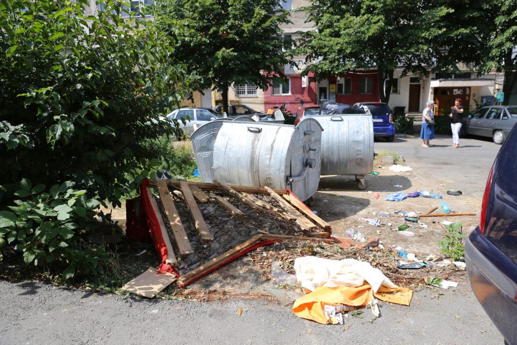 Platformă de gunoi în Craiovița Nouă/ foto: Claudiu TudoPlatformă de gunoi în Craiovița Nouă/ foto: Claudiu Tudor