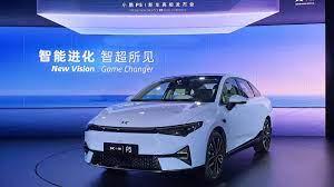 Un rival chinez al Tesla lansează un sedan electric mult mai ieftin