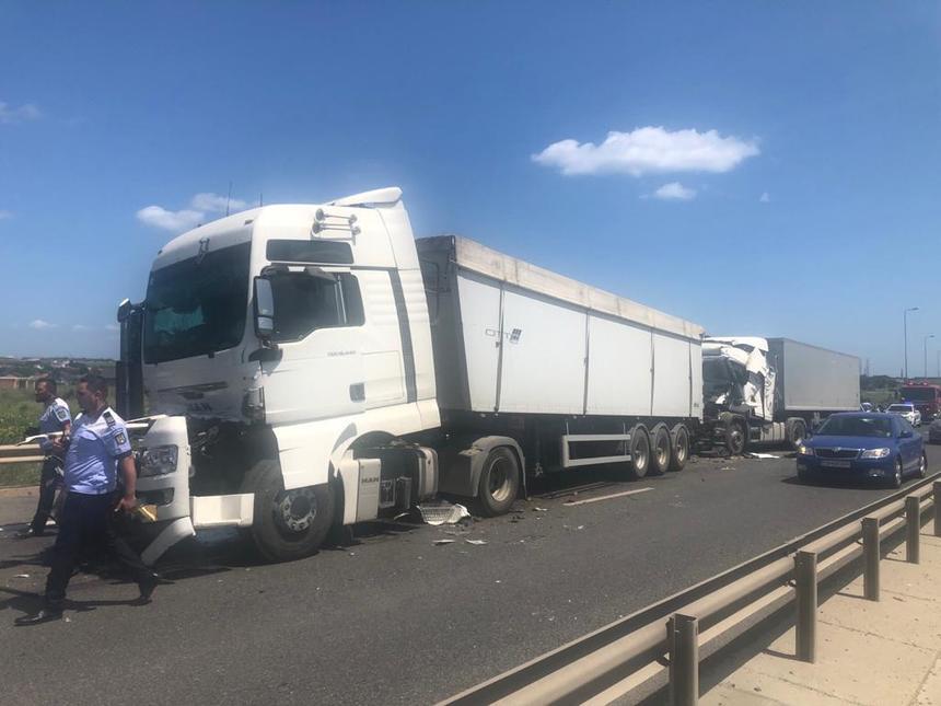Tamponare între trei camioane pe Autostrada A4